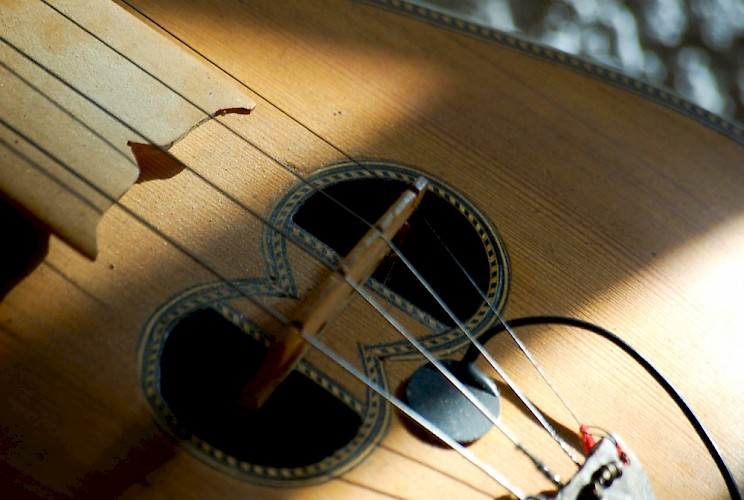 wedding-image-lrg_r_cretan_lyra_1000_751_c1_edited_744x500.jpg